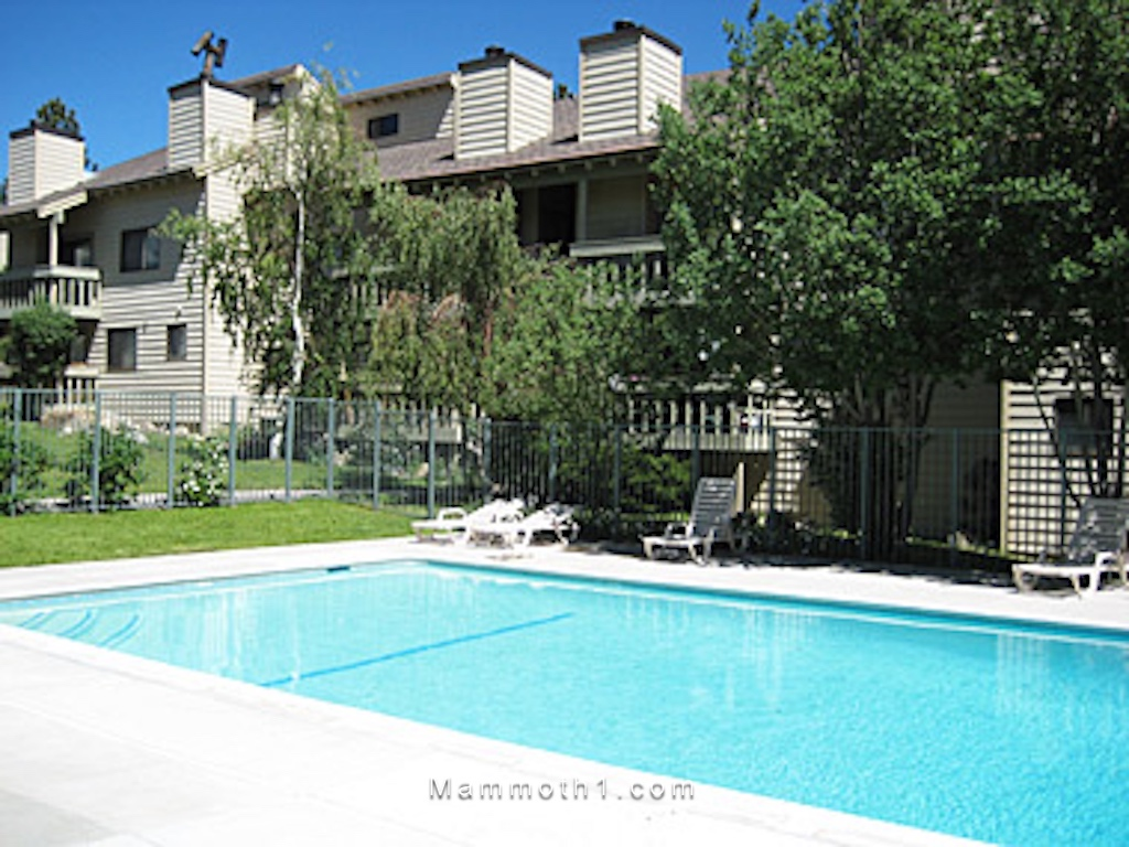 Mammoth Lakes Condo for sale low HOA dues fees