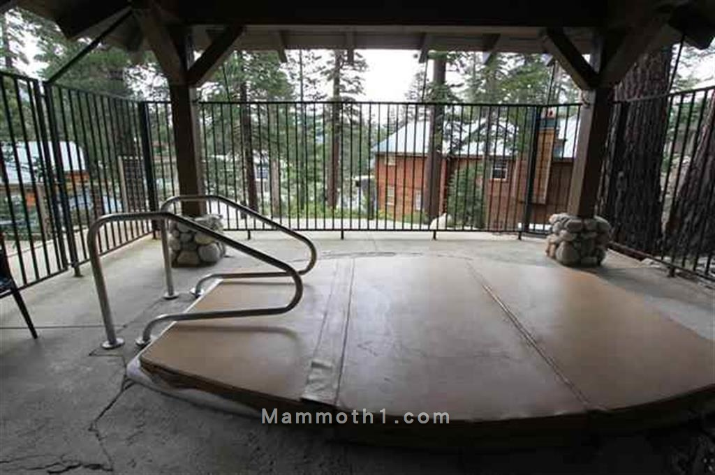 Canyon Lodge Mammoth Mountain Condos for Sale