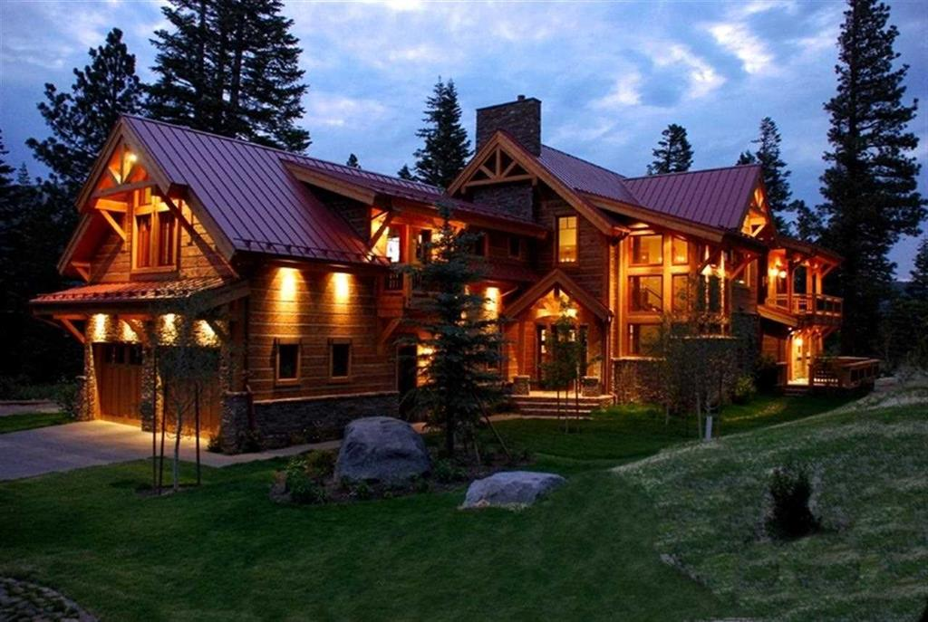 Luxury Home for Sale in Mammoth Lakes Bluffs