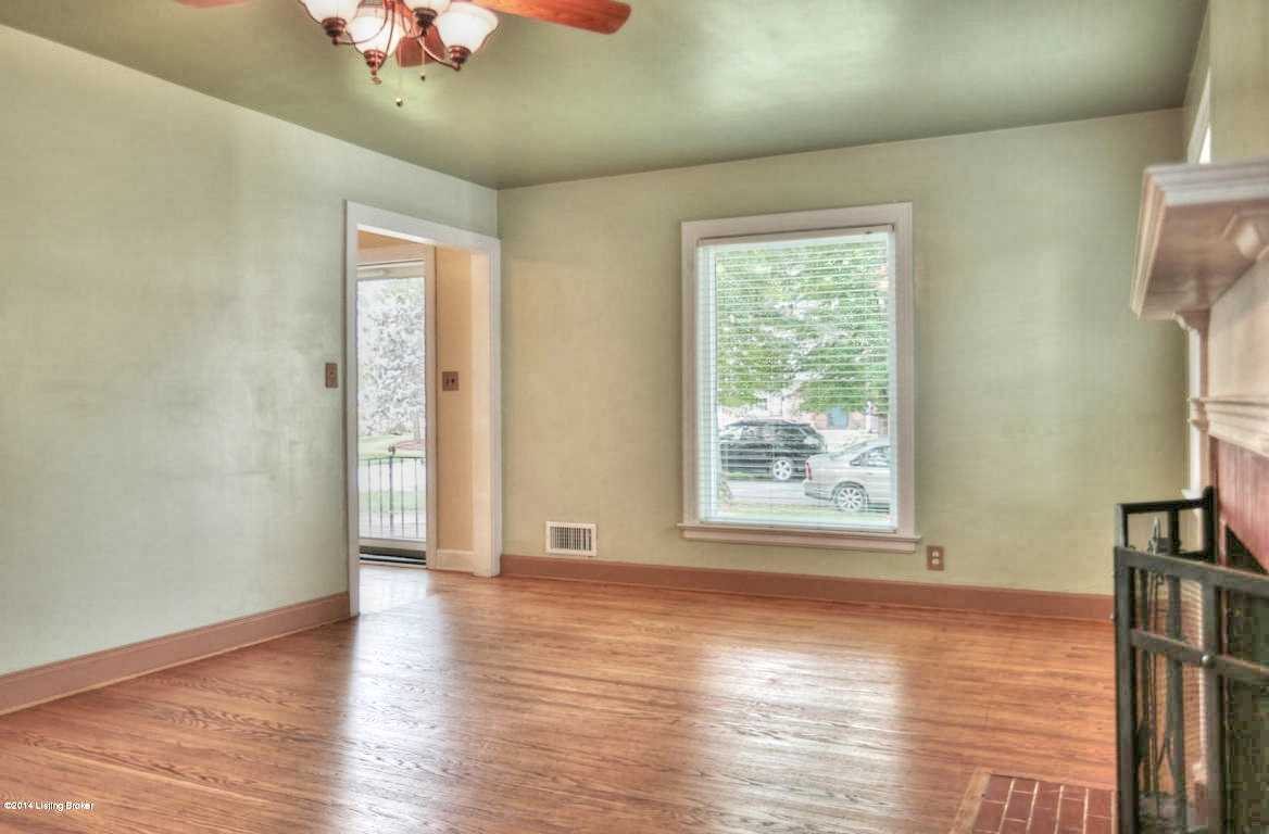 3406 Hycliffe Ave Louisville, KY 40207 Living Room