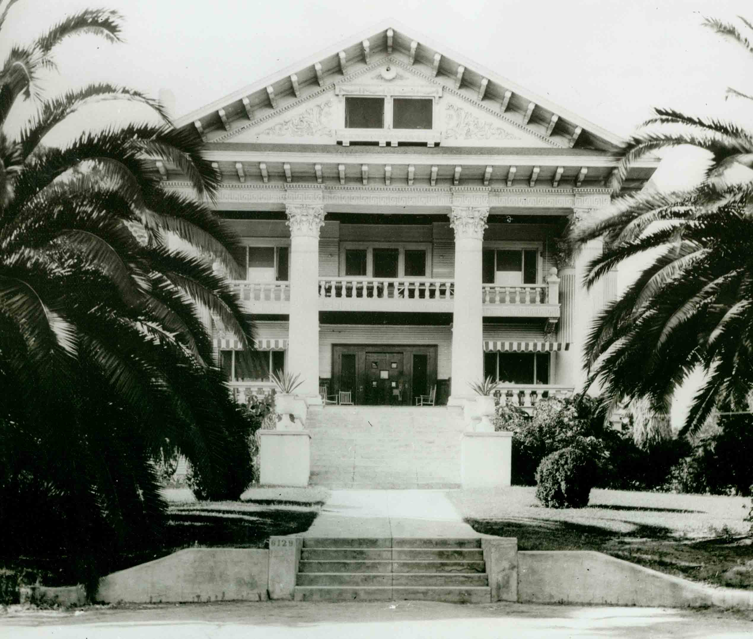 Historic photo of the Hollywood Studio Club