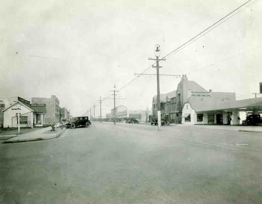 Historical photo Larchmont Blvd.