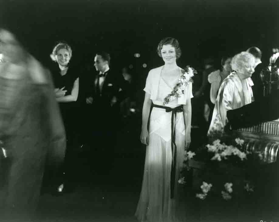 1937 Myrna Loy at premiere
