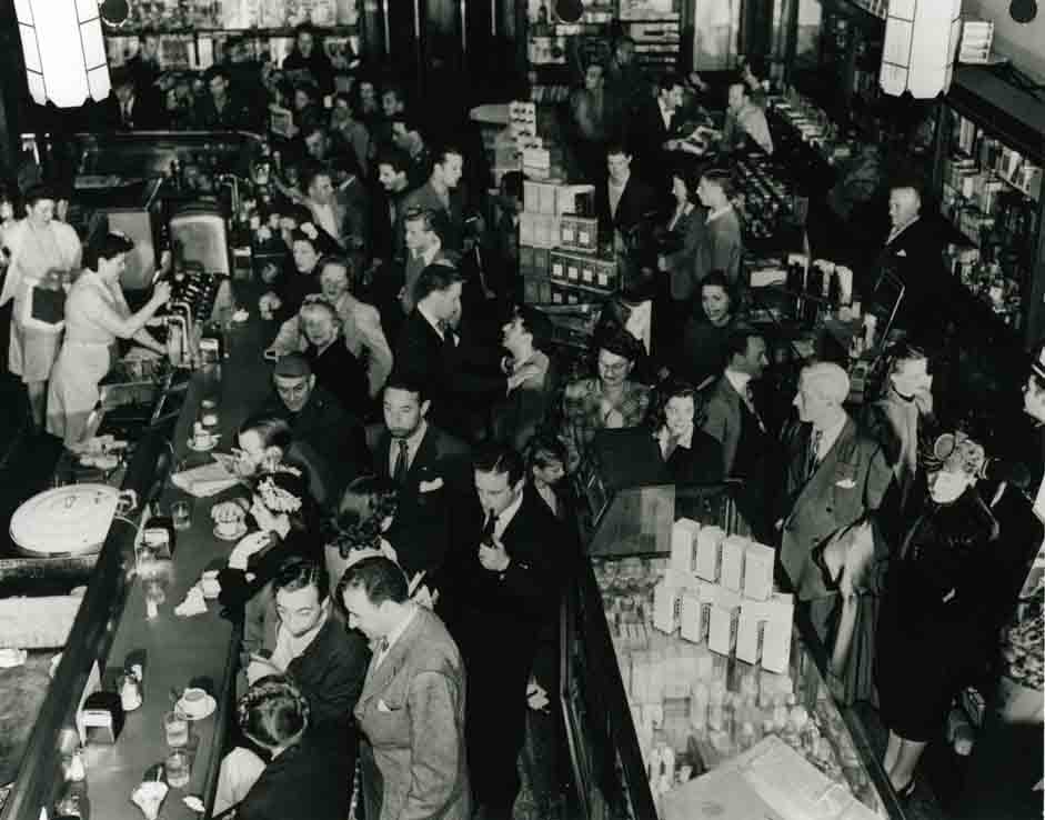 Vintage photo of Schwab's Pharmacy patrons