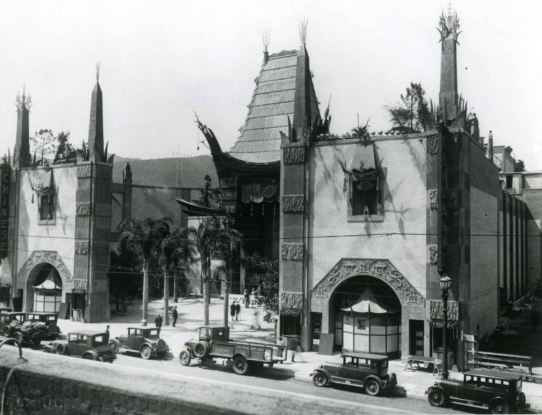 Early photo of Grumman's Chinese Theater