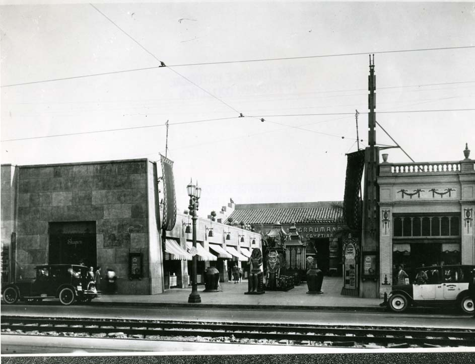 Early photo of Grumman's Egyptian Theater