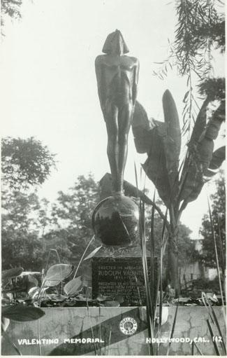 Valentino Statue