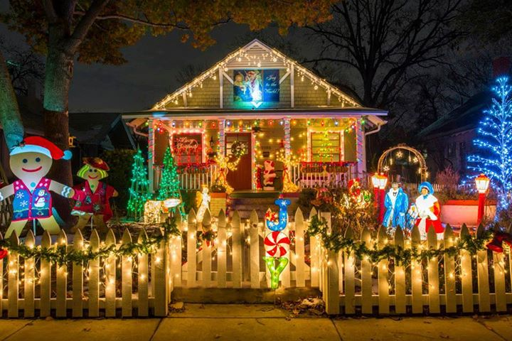 Calgary-homes-Christmas-lights