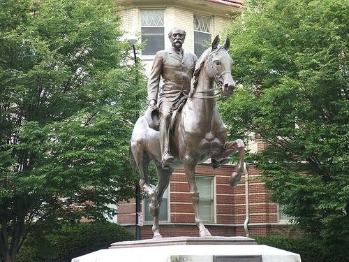 cherokee_park_statue