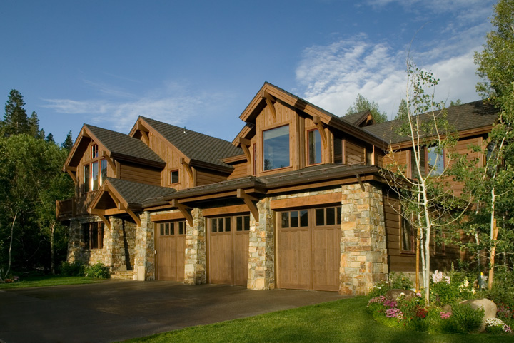 Exterior of Craftsman Style Home in Old Mammoth