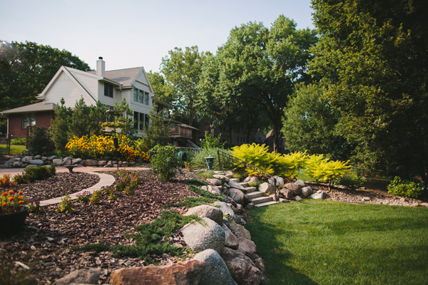 4 Spring Landscaping Ideas for Homeowners Who Hate Yard Work