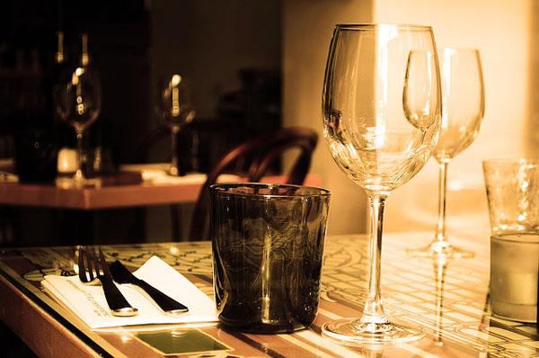 Dining - Image Credit: https://pixabay.com/en/users/PublicDomainPictures-14/