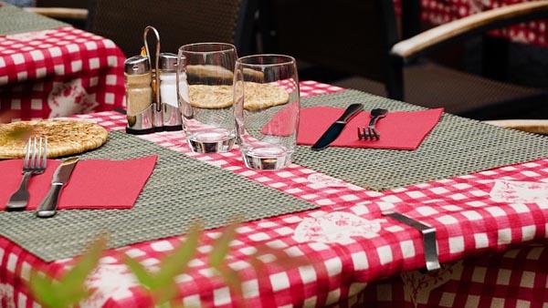 Restaurant - Image Credit: https://pixabay.com/en/users/Taken-336382/