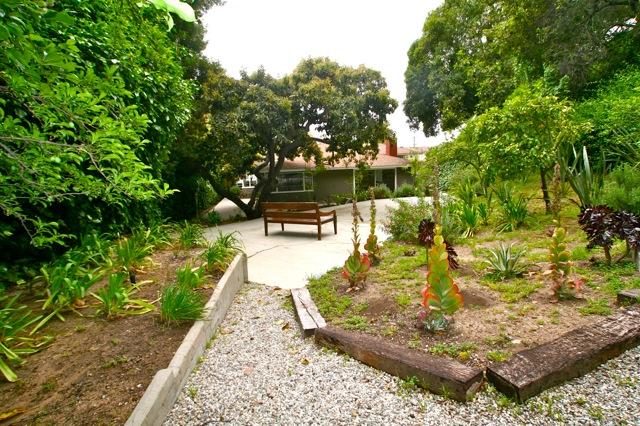 4525 Cockerham Dr. - Los Feliz Mid-Century home has a large park-like yard