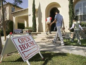 busy open house in the current Los Angeles real estate market