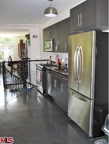 Sunset Silver Lake Loft kitchen