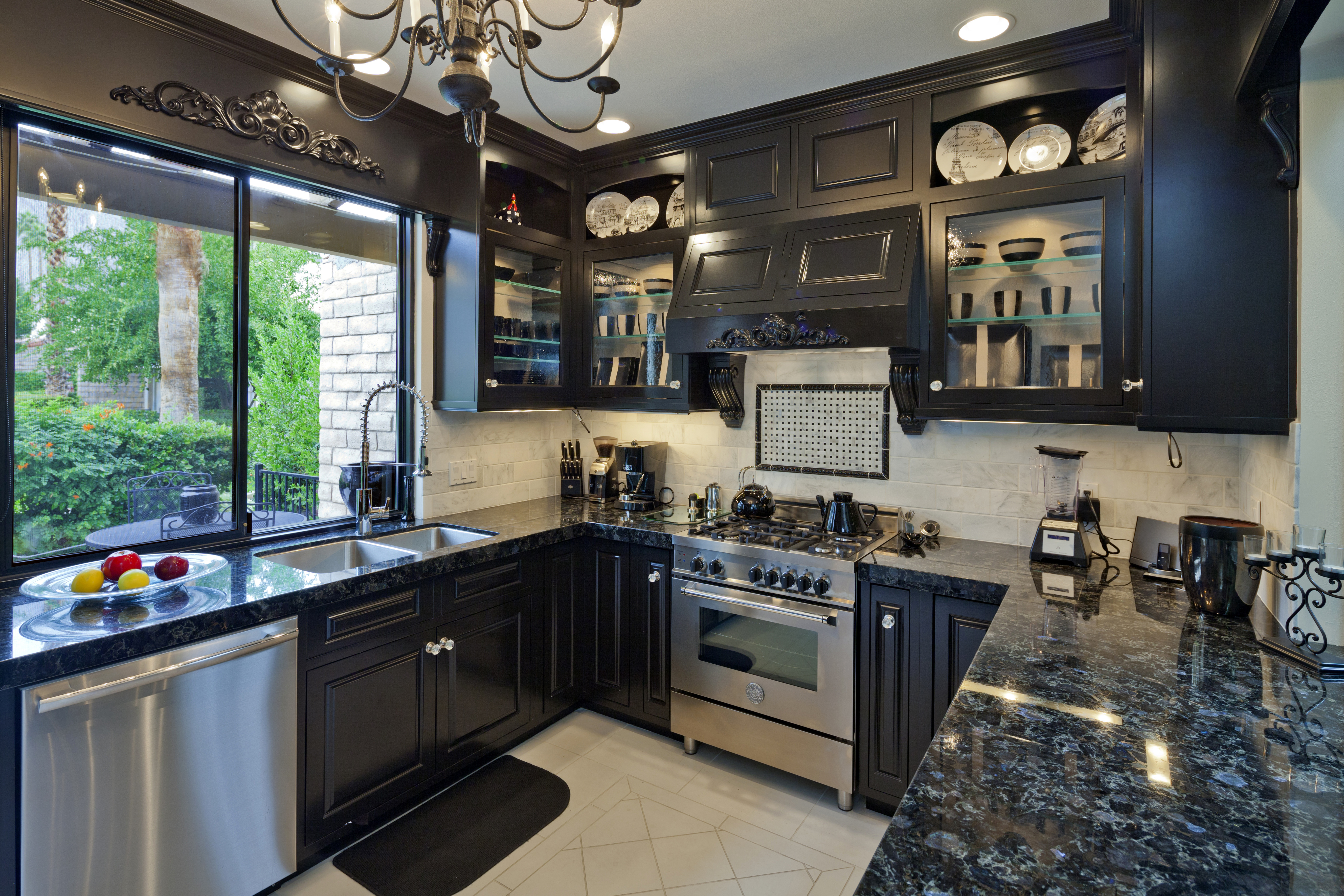 luxury kitchen to show the value of home staging for selling your luxury house