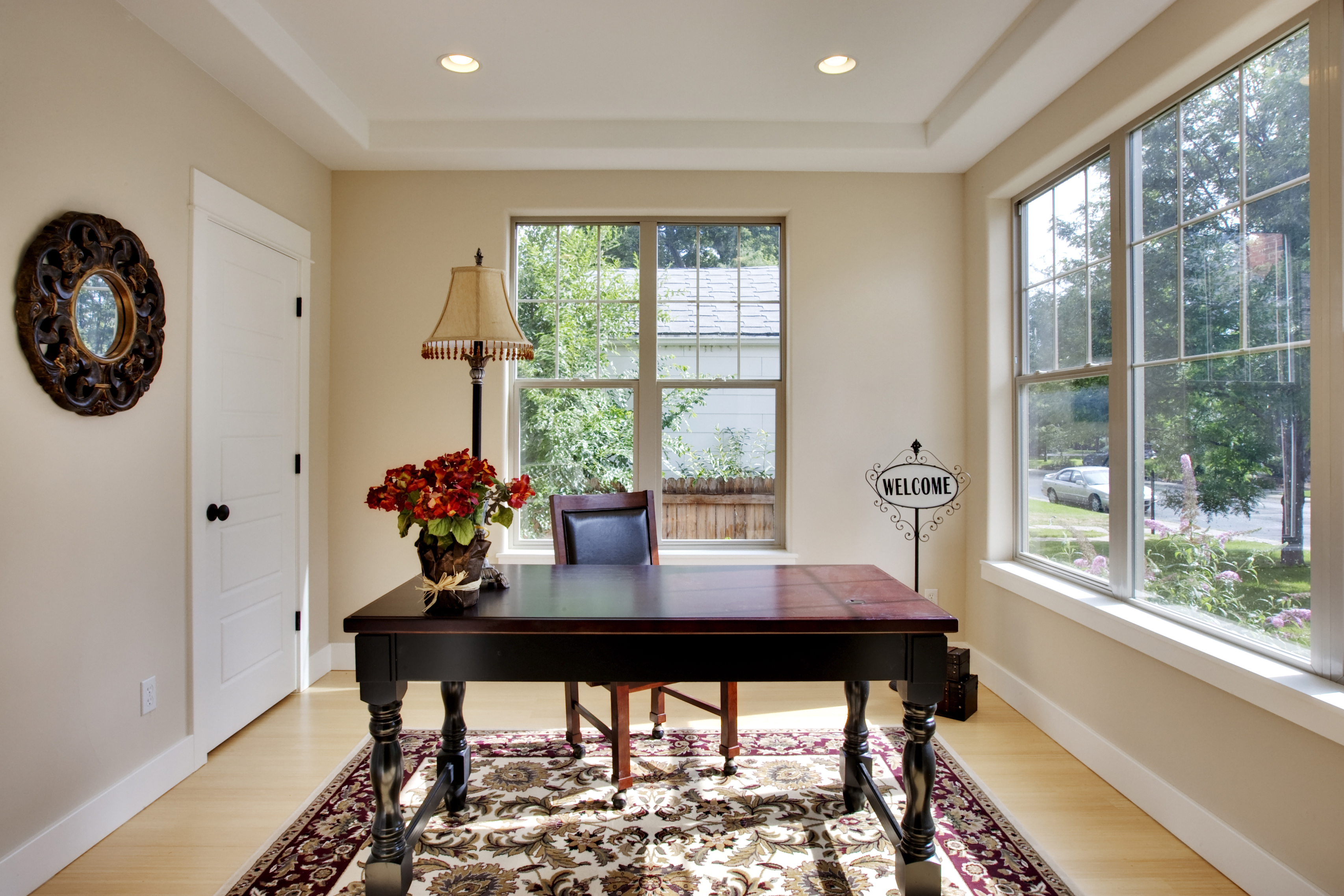 picture of staged home office