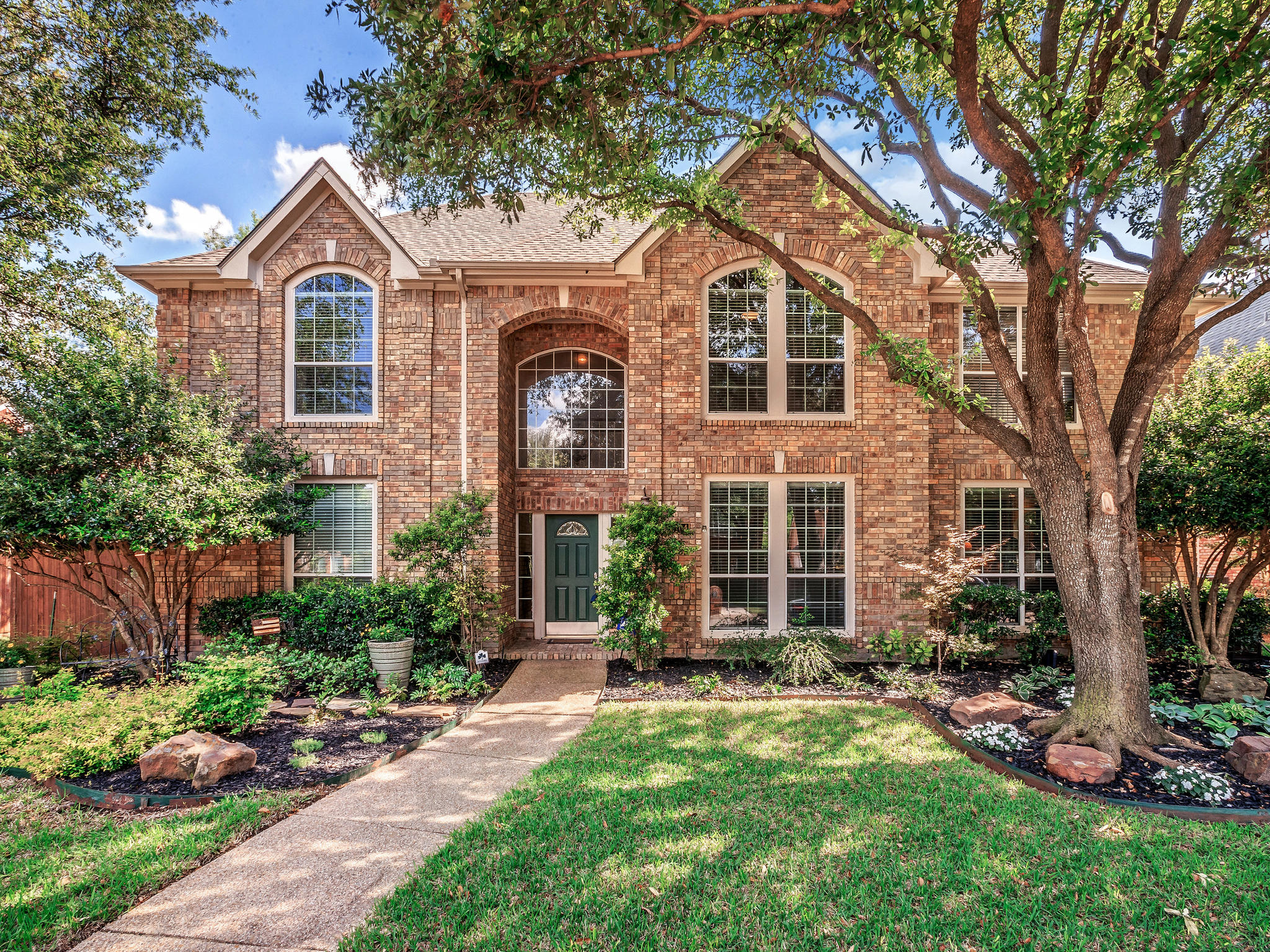 Homes for Sale in Plano, TX - 6104 Birkdale Dr. Plano, TX 75093