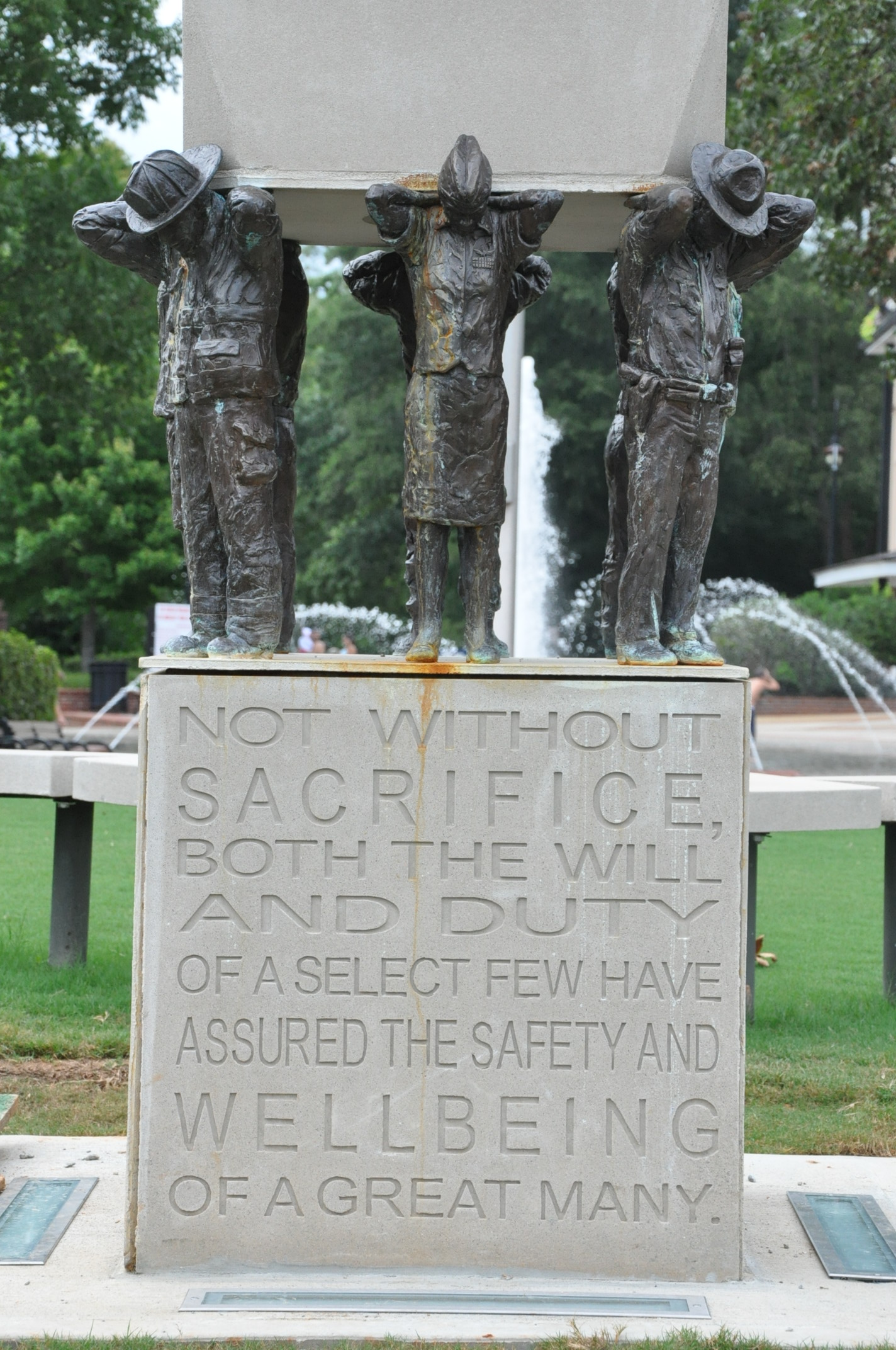 Duluth Historical Statue