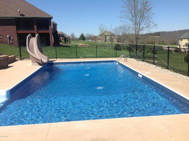 Clarke Pointe pool