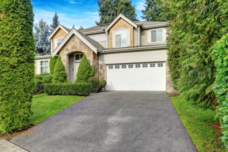 Selling Your Home? 4 Ways to Boost Curb Appeal and Impress Buyers