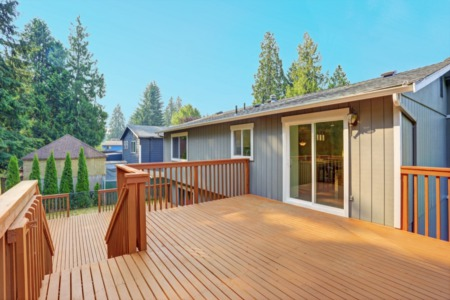 What Homeowners Should Know Before Constructing a Deck