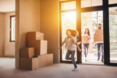 Moving With Kids and Pets Can Be Stress Free