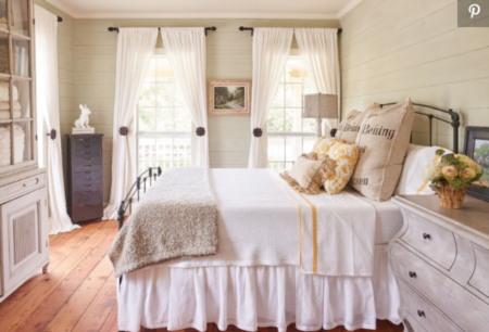 15 Cozy Bedrooms That Nail the Farmhouse Aesthetic