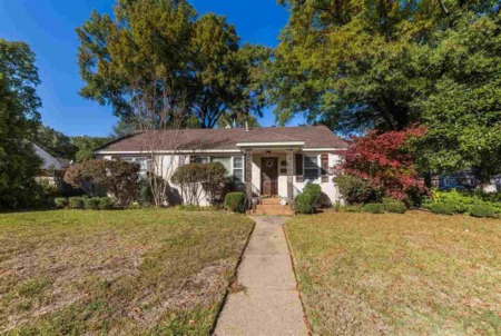 New Listing in Colonial Acres