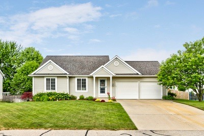3823 142nd Ave, Holland MI 49424 New Listing!