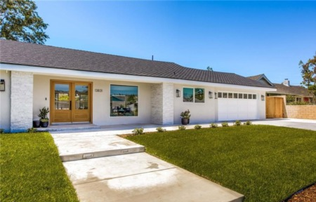 Spectacular Living in North Tustin