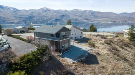Chelan Hills Community Waterfront Home Just Listed
