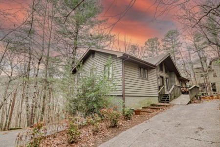 Beautiful Rustic Home on 1.38 Acre, For Sale in Sought After Big Canoe, GA.