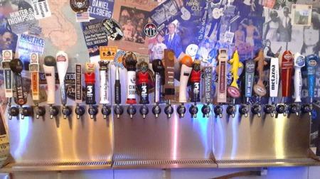 Business Spotlight: Huntington Street Bar & Grill