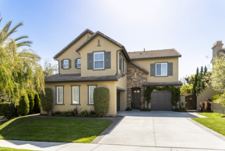Just Listed | 38 Via Cancion
