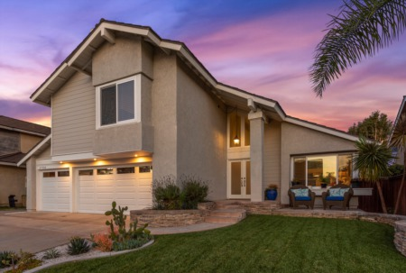 Just Listed | 27502 Via Valor