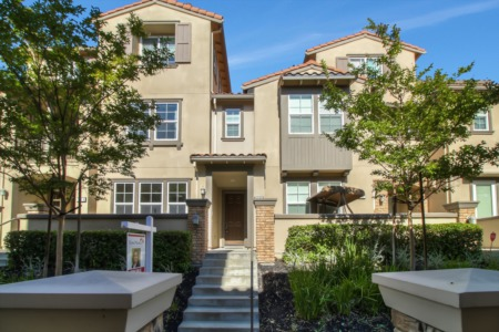 Windemere Townhouse-Style Condo near DVHS!