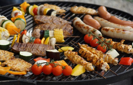Guide to Grills & Smokers: Best of 2018
