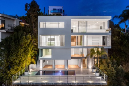 Frontgate Real Estate Presents this Beautiful Los Angeles Listing in Prestigious Sunset Plaza