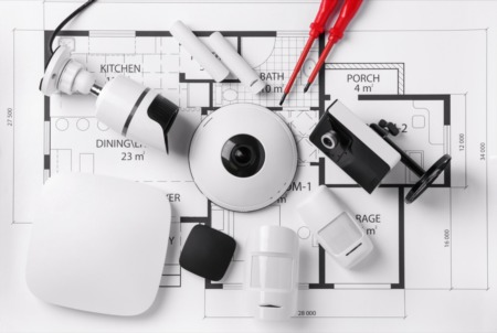How to Choose Between a Professional and DIY Home Security System