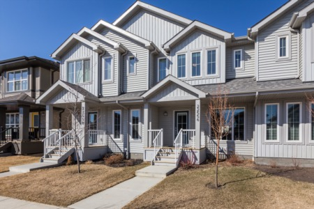 SOLD in Secord! A Stunning Townhome is Waiting For You! $340,500