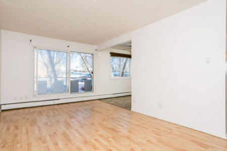 Whyte Ave Large One Bedroom Available April 1st