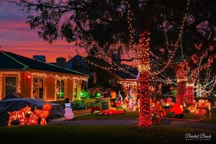Seaside Ranchos in Torrance Hosts 'Sleepy Hollow Christmas Lights' Extravaganza
