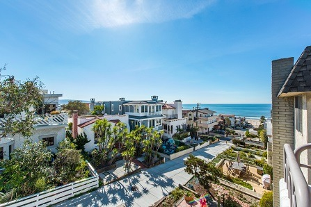 Moving to Manhattan Beach: The Neighborhood Crash Course