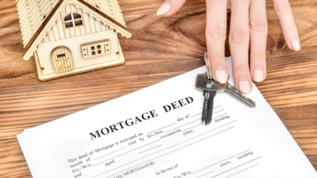 Do You Know the Difference between Deed and Title?