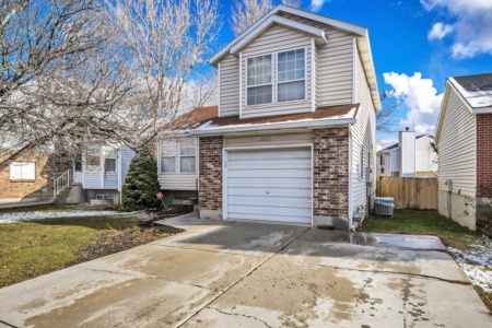 UNDER CONTRACT IN LESS THAN A WEEK!