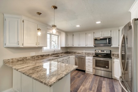 Home Feature: Updated Kitchen in 3,400+ SQ FT Sandy Heights!