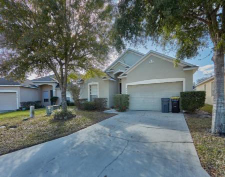 Your Florida Villa at Gated Sunset Ridge Awaits You!