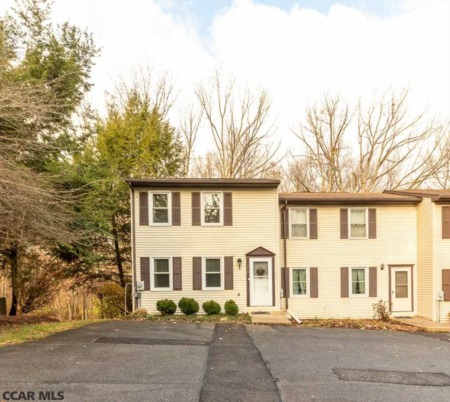 249 Oakwood Ave - State College